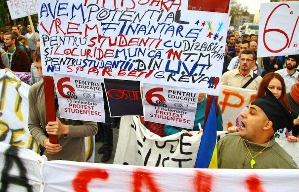 Studentii, nemultumiti de Avocatul Poporului