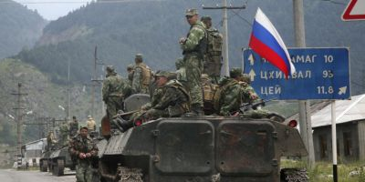 Ambasador ucrainean: Rusia pregateste o invazie militara de amploare in estul Ucrainei