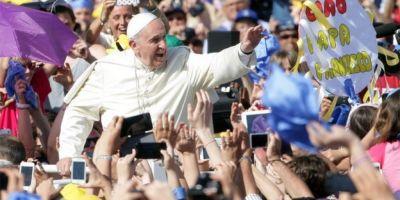 Papa Francisc a vorbit la telefon cu refugiati irakieni, inaintea liturghiei din ajunul Craciunului