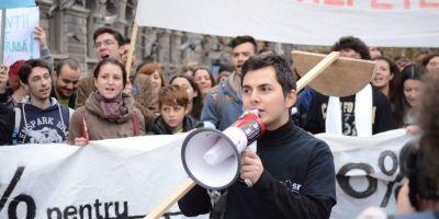 Scrisoarea lui Cristi, un student din Cluj, care vrea sa invete in tara ca afara. Cele 5 esecuri ale educatiei romanesti, in 2014