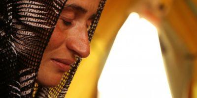 Marturii cutremuratoare ale unor tinere yazidi luate sclave sexuale de Statul Islamic, impinse la sinucidere