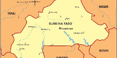Un roman a fost rapit in Burkina Faso. El este victima unui grup de teroristi din Mali