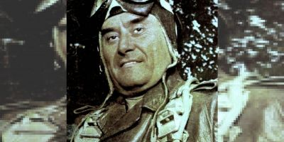 Bastan, inventatorul parasutei militare romanesti, a detinut 45 de ani un record national si a sarit din avion cu fiul in brate, pentru a face o demonstratie