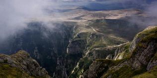 Tunelurile energetice secrete din Muntii Bucegi. Au produs insomnie generala si cutremure, trei ani la rand
