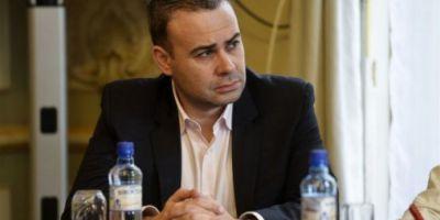 Fostul ministru Darius Valcov ar putea scapa luni de arestul preventiv