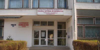 Amenintare cu bomba la Colegiul National Traian Lalescu din Hunedoara: peste 900 de elevi au fost evacuati