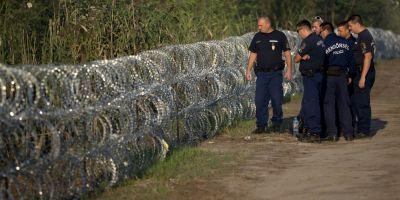 Ungaria a finalizat constructia gardului de sarma ghimpata de la frontiera cu Serbia