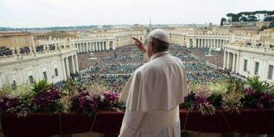 VIDEO Papa Francisc a pledat in mesajul traditional de Paste pentru ajutorarea migrantilor si combaterea terorismului cu