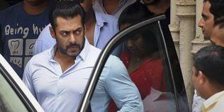 Salman Khan, amenintat ca va fi dat in judecata dupa ce a declarat ca se simte ca o