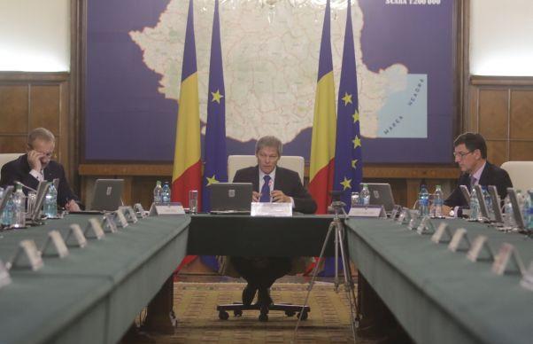 Noii ministri, Mircea Dumitru, Sorin Buse si Maria Ligor, au depus juramantul. Iohannis: