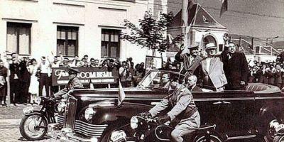 Fotografia de poveste din Hunedoara anilor 1960. Nikita Hrusciov a vizitat orasul otelarilor intr-o limuzina de lux