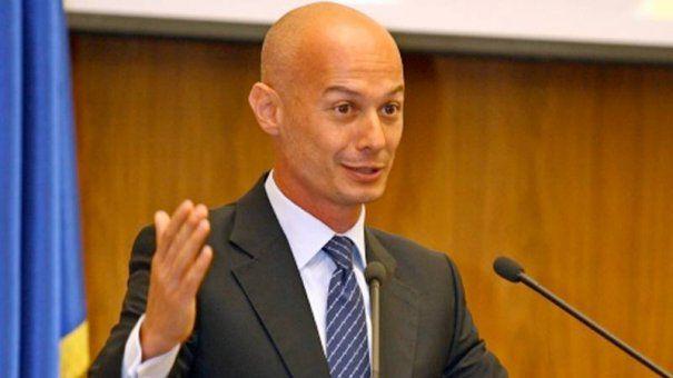Bogdan Olteanu a fost SUSPENDAT din functiile pe care le DETINEA la BNR