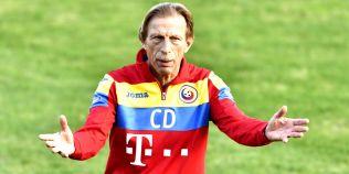 Christoph Daum a lamurit problema banderolei la echipa nationala. Cine va fi capitanul