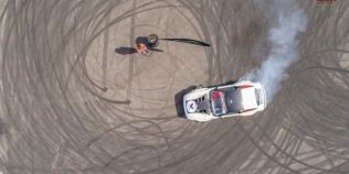 VIDEO Sezonul a debutat pe litoral cu motoarele turate la maximum. Demonstratie de drift intr-o parcare