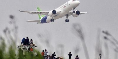 Zbor inaugural al primului avion de pasageri dezvoltat de China