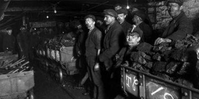 Povestea nestiuta a marelui dezastru din Mina Lupeni: cum au murit 33 de mineri romani, cehi, germani si rusi in 1944