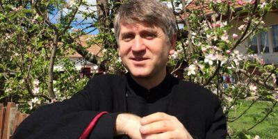 AUDIO Celebrul preot Pomohaci, acuzat ca ar fi incercat sa corupa sexual un tanar.