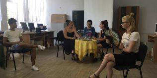 Copiii din Teleorman care-si sacrifica vacanta de vara pentru teatru
