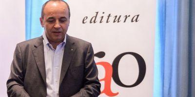 Reactia presedintelui RAO la scandalul starnit de lansarile cartilor lui Voiculescu si Nastase: Cititorii care pun astfel de intrebari cred ca nu prea citesc