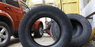 De ce sunt nerecomandate, mai ales iarna, pneurile