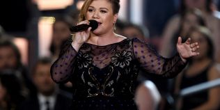 Kelly Clarkson, criticata dupa ce a declarat ca isi