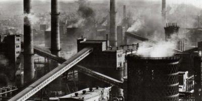 Povestea secreta a uzinei siderurgice. Cum se muncea in furnalele, laminorul si otelaria orasului in zorii comunismului