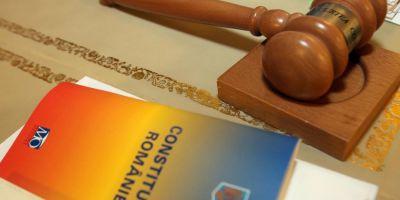 Sesizarile USR la legile Justitiei privind statutul magistratilor, organizarea judiciara si organizarea CSM, dezbatute miercuri de Curtea Constitutionala