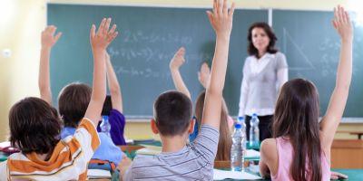 Statutul profesorilor din Romania este cel mai scazut din Europa, arata un studiu realizat de Romanian Business Leaders